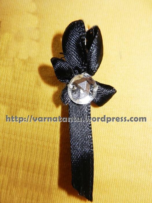 17T 1b Ribbon Flower